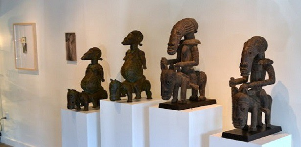 Kahugu Bronze Equestrian Pairs